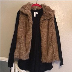 Zara Faux Fur vest in very good condition size M